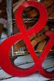 Ampersand symbol robić czerwony metal zdjęcia royalty free