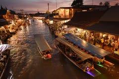Amphawa市场运河,最著名浮动市场 免版税库存照片
