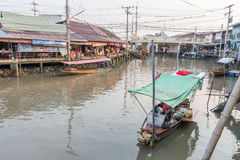 Amphawa浮动市场在晚上 免版税库存图片