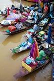 Amphawa en av den berömda sväva marknadsstaden i Thailand Arkivfoton