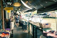 рынок Таиланд amphawa плавая стоковые фото