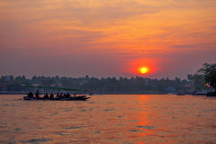 Amphawa solnedgång Arkivbild