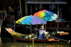 Amphawa, Tailândia: Barcos de flutuação do mercado Imagem de Stock Royalty Free