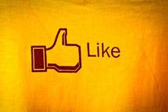 Amphawa, Thaïlande - 29 décembre 2012 : Facebook aiment l'icône sur le tissu, Images libres de droits
