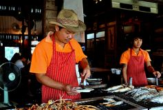 Amphawa, Thailand: Chef Grilling Seafood Stock Photo