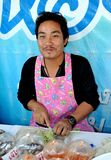 Amphawa, Thailand: Verkoper bij het Drijven Markt Royalty-vrije Stock Foto