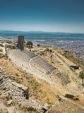 Amphithéâtre antique dans l'Acropole de Pergamum photographie stock