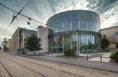 Amphithéâtre en verre de bâtiment du conservatoire à Poznan photo stock