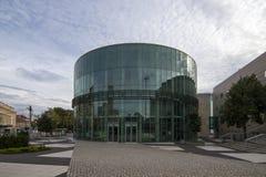 Amphithéâtre en verre de bâtiment du conservatoire à Poznan photographie stock libre de droits
