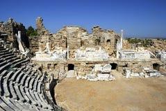 Amphitheater antico nel lato, Turchia Fotografia Stock Libera da Diritti