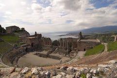 Amphitheater grego de Taormina em Sicília Italy fotos de stock