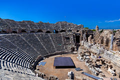 Amphitheater velho no lado, Turquia Imagens de Stock