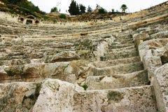 Amphitheatre de pedra do baixo ângulo foto de stock royalty free