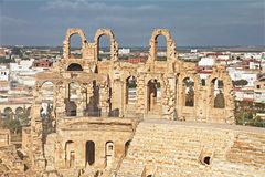 Amphitheatre do EL Djem em Tunísia imagens de stock royalty free