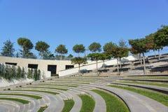Amphitheatre en el nuevo parque moderno Krasnodar de la ciudad, construido a expensas del hombre de negocios ruso Sergei Galitsky imagenes de archivo