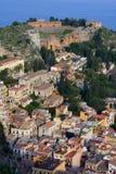 Amphitheatre en Sicilia Imagen de archivo