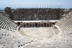 amphitheatre Mitad-destruido Imagenes de archivo
