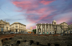 Amphitheatre romano de Catania (panorama), Sicília Imagens de Stock