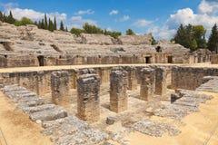 Amphitheatre romano di Italica immagini stock