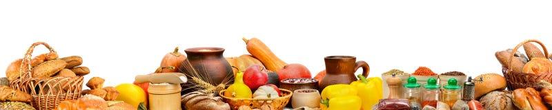 Ampia foto con la frutta fresca, verdure, pane, prodotti lattier-caseario, immagini stock libere da diritti
