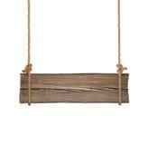 Ampia insegna di legno che appende sulle singole corde Isolato su bianco Fotografia Stock