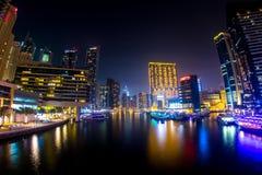 Ampia vista del Dubai Marina At Night Fotografia Stock
