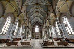 Ampia vista verso l'altare - chiesa abbandonata Fotografia Stock Libera da Diritti
