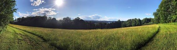 Ampio panorama della collina pedemontana Fotografie Stock