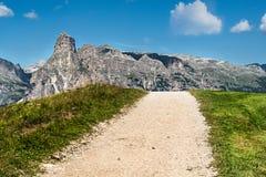Ampio panorama della regione di Alta Badia su estate in Italia del Nord Fotografie Stock Libere da Diritti