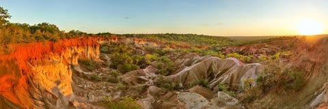 Ampio panorama di alta risoluzione del canyon della cucina del ` s dell'inferno di Marafa Fotografie Stock