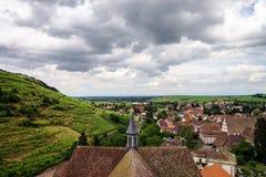 Ampio punto di vista panoramico della uccello-mosca Colline dell'Alsazia Fotografia Stock