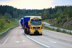 Ampio trasporto del carico nella sera Immagini Stock Libere da Diritti