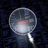 Amplie a lente no vírus Imagens de Stock
