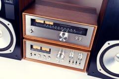 Amplificador, afinador, sistema de áudio estereofônico do vintage dos oradores Fotos de Stock