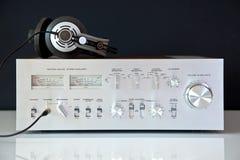 Amplificador analogico de alta fidelidad estéreo de la vendimia Fotografía de archivo