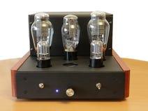Amplificador del tubo de vacío Imágenes de archivo libres de regalías