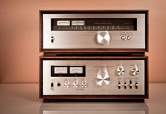 Amplificador e afinador estereofónicos do vintage foto de stock royalty free