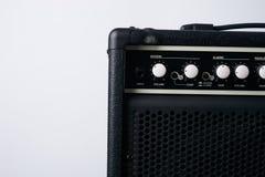 Amplificador eléctrico del cuero del negro de la guitarra baja Imagenes de archivo
