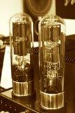 Amplificador eletrônico do tubo de vácuo dois Fotografia de Stock Royalty Free