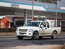 Amplificadores e altifalante poderosos no camionete imagem de stock