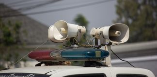 Amplificadores e altifalante poderosos no camionete fotografia de stock royalty free