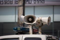 Amplificadores e altifalante poderosos no camionete fotos de stock