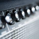 Amplificatore della chitarra del bottone del volume fotografia stock libera da diritti