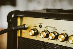 Amplificatore elettrico della chitarra Priorità bassa di musica rock fotografie stock libere da diritti