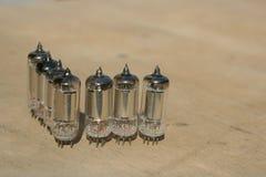 Amplificatore radiofonico della lampada Valvola elettronica elettronica immagine stock