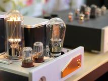 Amplificatori audiophile della lampada ad alta fedeltà Fotografie Stock Libere da Diritti