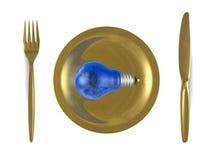 Ampola azul com reflexão do céu nela, na placa dourada, na forquilha e na faca. Vista superior ilustração do vetor