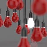 Ampola criativa do conceito da ideia e da liderança Imagens de Stock Royalty Free