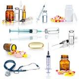 Ampollas, botellas, píldoras y jeringuillas médicas Foto de archivo libre de regalías