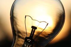 Ampoule au-dessus de lumière du soleil Photos libres de droits
